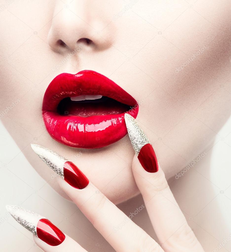 Красивые фото губы с ногтями