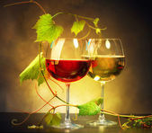 Two glasses of wine — Stock Photo