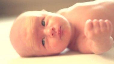 Newborn baby waking up — Stock Video