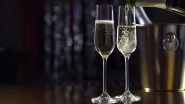 Flutes with sparkling champagne — Stock Video