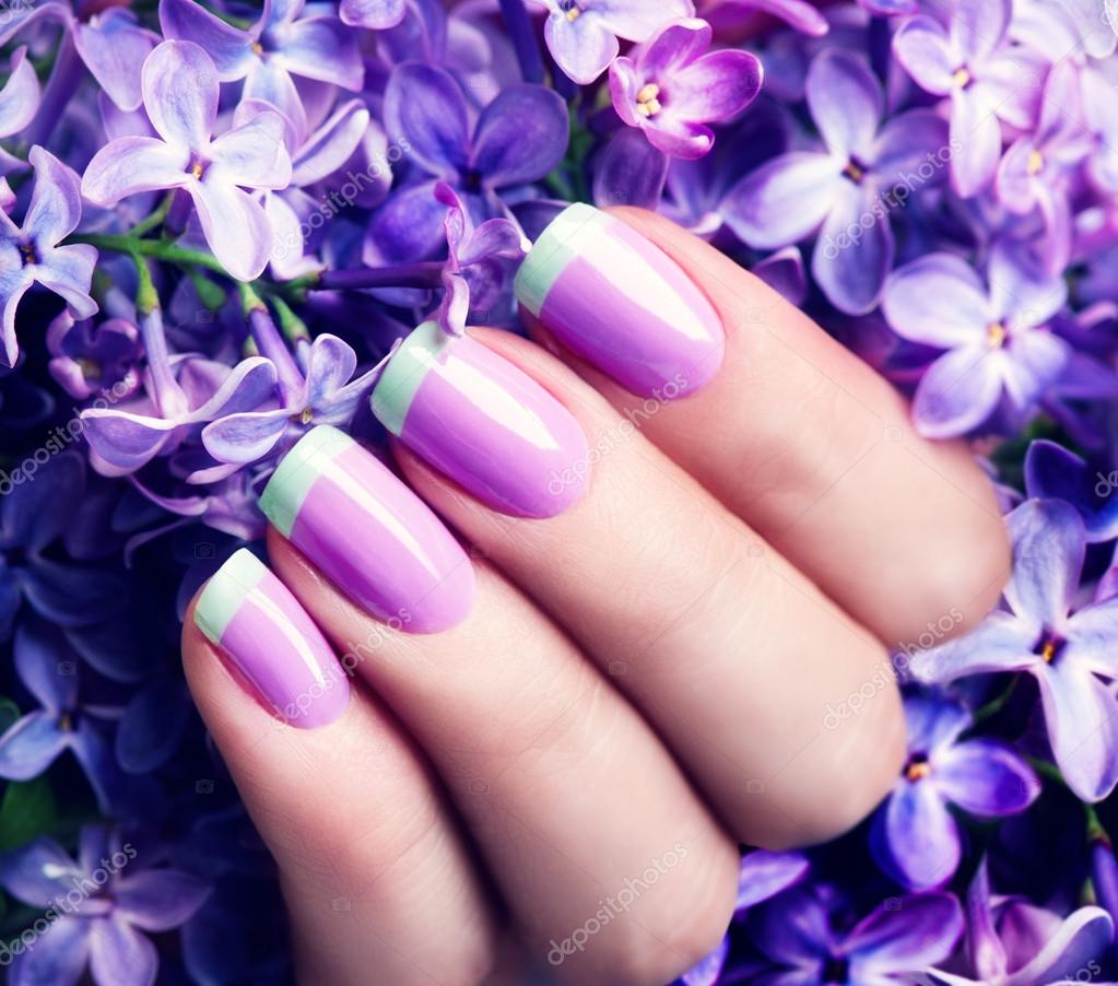 Пурпурный цвет ногти