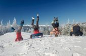 Group of skiers standing on his head on  mountain — Stock Photo