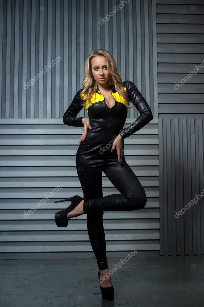 порна фото 18 летних женчин