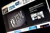 BELGRADE - JANUAR 29, 2014: Google image search for IBM logo photos on PC screen — Stock Photo