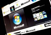 BELGRADE - JANUAR 29, 2014: Google image search for Microsoft logo photos on PC screen — Stock Photo