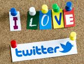 BELGRADE - JUNE 17, 2014 I love Twitter letters printed on paper and pinned on cork bulletin board — Stock Photo