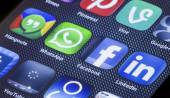 BELGRADE - JULY 05, 2014 Popular social media icons facebook whatsapp and other on smart phone screen close up — Stock Photo