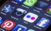 BELGRADE - JULY 05, 2014 Popular social media icons flickr instagram and other on smart phone screen close up — Stock Photo