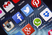 BELGRADE - APRIL 03, 2014 Popular social media icons on smart phone screen close up — Stock Photo