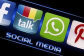 BELGRADE - SEPTEMBER 09, 2014 Social media icons Google talk and Whatsapp on smart phone screen close up — Stock Photo