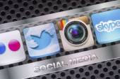 BELGRADE - AUGUST 30, 2014 Social media icons Twitter, Instagram and other on smart phone screen close up — Stock Photo