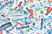 BELGRADE - JUNE 13, 2014 Social media website logos Facebook, Twitter and other printed on paper — Foto de Stock