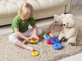 Toys, polar bears, help your child to collect a toy designer. Pyramid — Stock Photo