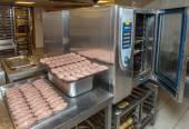 приготовление пирожки мяса — Стоковое фото