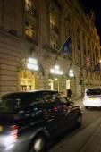 London Ritz Hotel at Night — Stock Photo