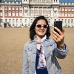 East Asia tourist woman visiting London — Stock Photo #69732549