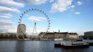 Horizonte de Londres incluyen ojo de Londres — Vídeo de Stock