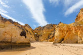 Rocky cliffs on the coast of the Atlantic ocean — Foto de Stock