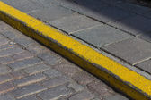 Yellow curb stone border  — Foto Stock