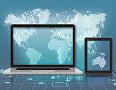 ラップトップ、タブレット世界地図の背景に — ストック写真