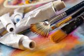 Aristic boya ve fırça — Stok fotoğraf