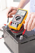Checking car battery — Stock Photo