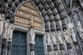 Architectonic detail of Cologne cathedral — Stock Photo