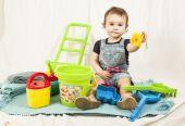 Ettårig flicka i studio. — Stockfoto