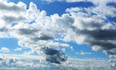 Blue sky with clouds — Stock Photo