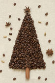 Christmas tree made of coffee and cinnamon — Stock Photo