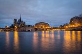 Paris, Seine and Notre Dame (blue hour) — Stock Photo