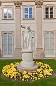 Male statue in Lazienki Palace (1795) in Warsaw, Poland — Stock Photo