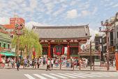 Kaminarimon gate of Senso-ji Temple, Tokyo, Japan — Stock Photo