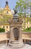 Monument to Czech poet Vitezslav Halek in Prague — Stock Photo