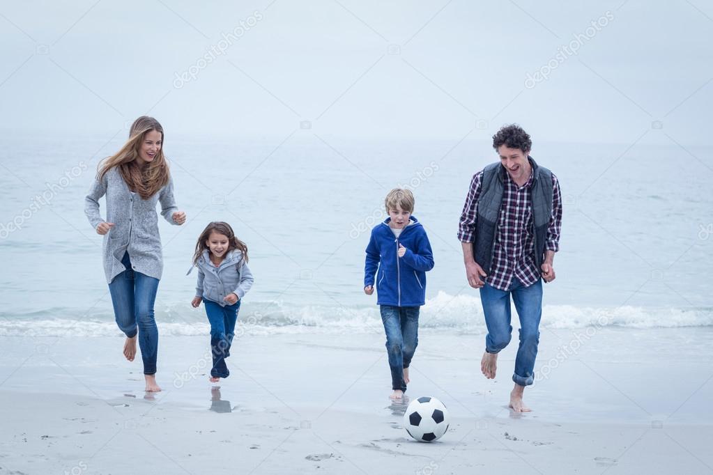 Веселая семья играть