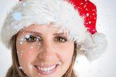 Noel baba şapkası, güzel bir kadın — Stok fotoğraf