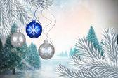 デジタル合成画像安物の宝石のクリスマスの装飾をぶら下げ — ストック写真