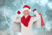 Festiva mulher segurando sacolas de compras — Fotografia Stock