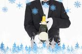 Garrafa de champanhe de exploração de garçom — Foto Stock