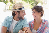 Happy couple enjoying coffee together — Stock Photo