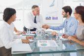 Představujeme nový zaměstnanec podnikatel — Stock fotografie
