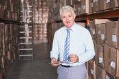 Jefe de almacén en portapapeles — Foto de Stock