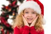 Slavnostní holčička se usmívá na kameru — Stock fotografie