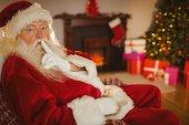 Santa claus houden een geheim — Stockfoto