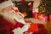 Santa claus making a phone call — Foto de Stock