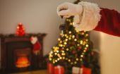 Hand of santa holding car key  — Stock Photo