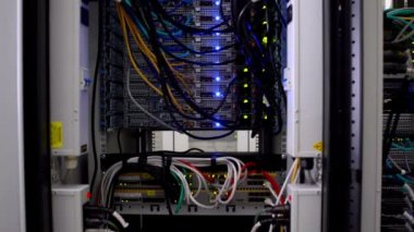 Lights flashing on servers — Stockvideo