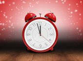 Alarm clock counting down to twelve — Stock Photo