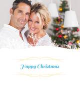 クリスマスで抱き合うことでカップル — ストック写真