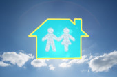 Cloud in shape of couple — Stock Photo